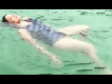 Bhojpuri Actress Monalisa Swimming Video