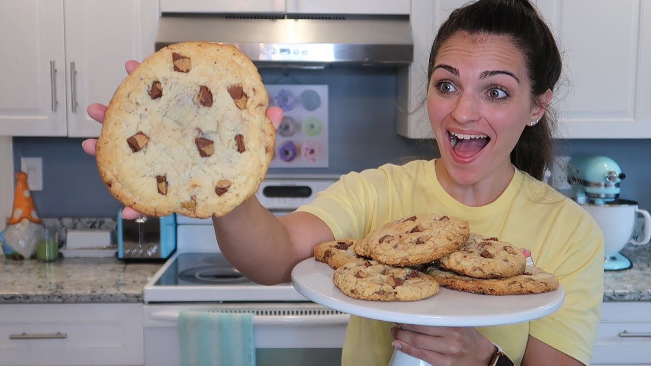 GIANT MOOSE TRACKS COOKIE! CHUNKY COOKIE EPISODE 9   Frenchies Bakery