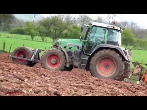 Rolling the Tilth and Drilling, with Fendt.