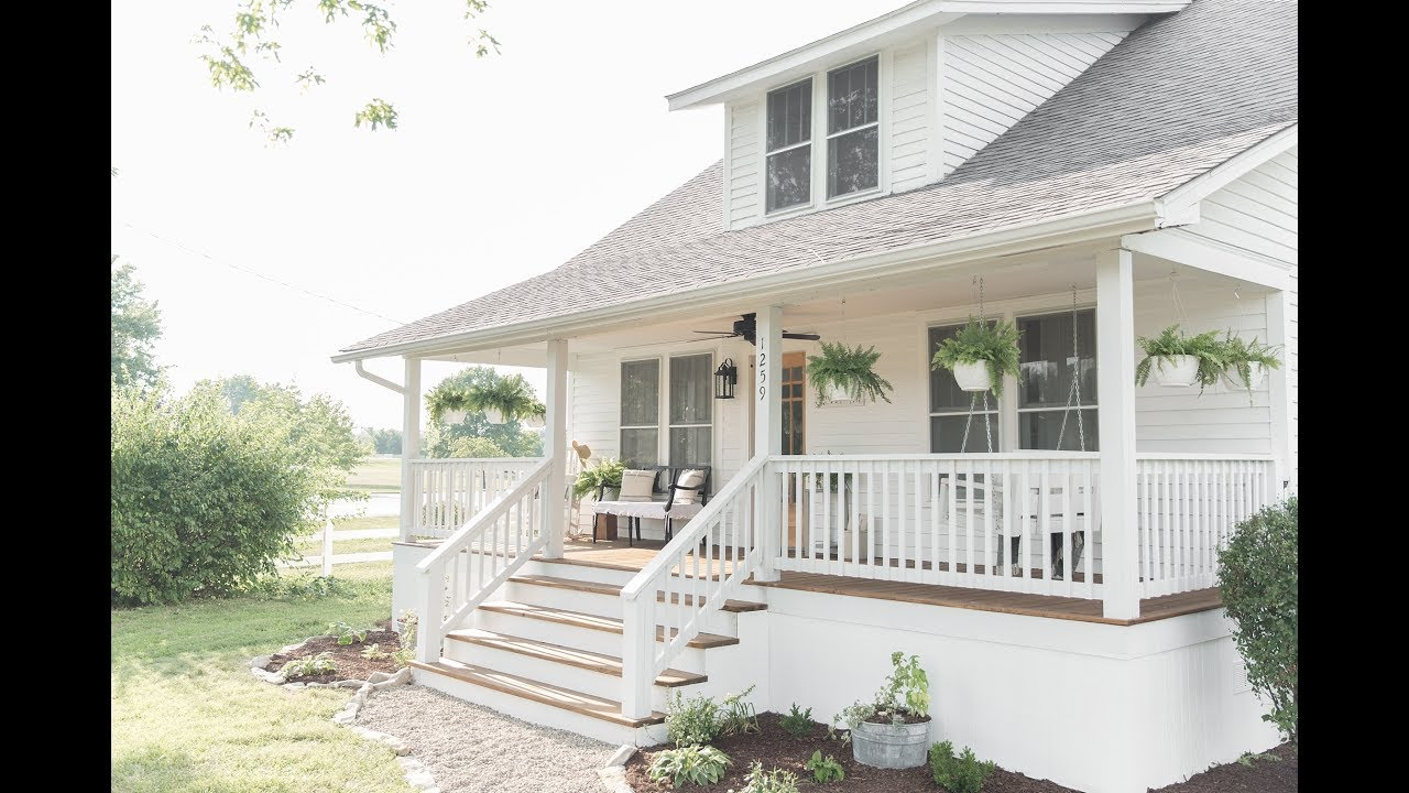 Farmhouse Porch Makeover