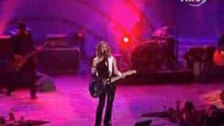 Alanis Morissette - Crazy (Live @ World Music Awards)