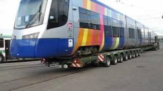 Arrivée du premier tram-train Avanto à Mulhouse et déchargement.