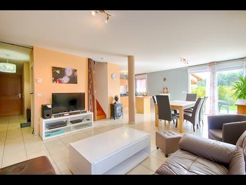 Exclusivité: esprit maison pour ce T4 Duplex récent  avec jardin et garage double.
