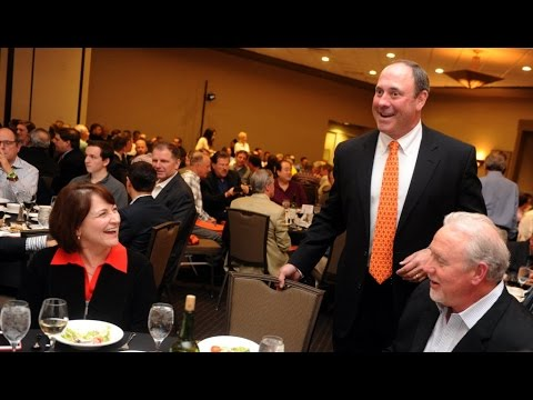 Giants great Will Clark speaks at Pacific baseball dinner