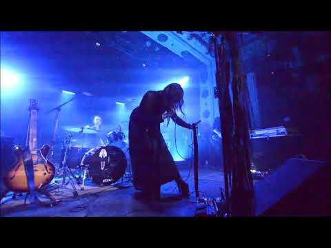 Chelsea Wolfe 10-24-17 Chicago