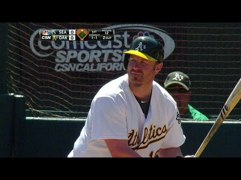 Dunn homers in his first A's at-bat