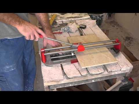 Как резать плитку стеклорезом ручным видео