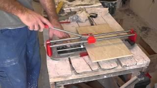 видео Как правильно резать плитку плиткорезом