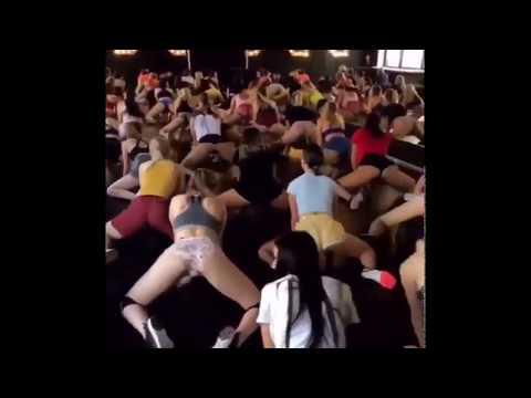 Los Anormales - VIDEO: Salón LLENO DE MUJERES tomando clases de TWERKING