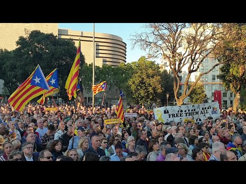 Miles de persoas piden en Barcelona a anulación do xuízo do 'procés'