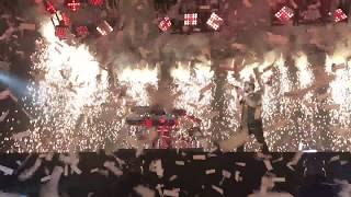 The Chainsmokers - Everybody Hates Me Live in Paris(20 Feb 2018)