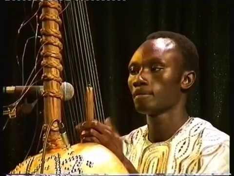 Tata Dindin. Kora Player. Sakhadougou.