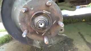 Сложная замена передних тормозных дисков на Хонде Элемент Honda Element