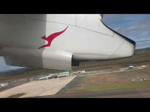QANTAS Link Dash 8 Q400 Take Off From Toowoomba To Sydney In 4K
