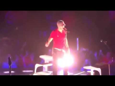 """Enrique Iglesias: """"El Perdedor"""" @ Valley View Casino Center in San Diego, CA on Oct 15, 2014"""