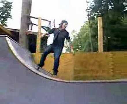 Jukka Hilden skateboarding