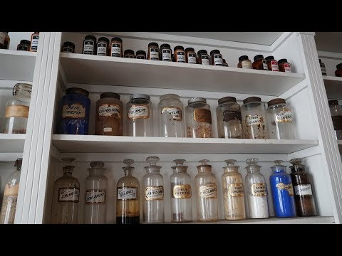 dating apothecary jars