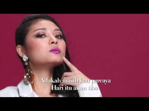 [Lirik Video] Nina Adira - Istana