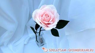 Розы из гофрированной бумаги(Предлагаю сделать красивую розу из гофрированной бумаги. Роза может стать прекрасным подарком, или украсит..., 2015-10-18T07:37:05.000Z)