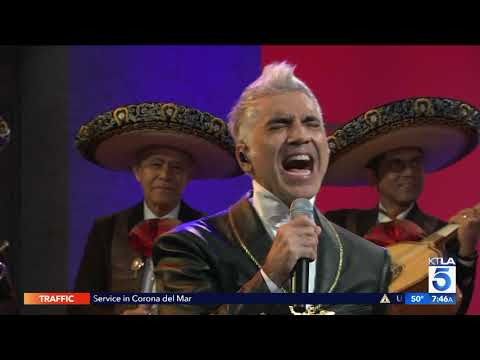 Alejandro Fernandez Performs His New Single Te Olvidé LIVE
