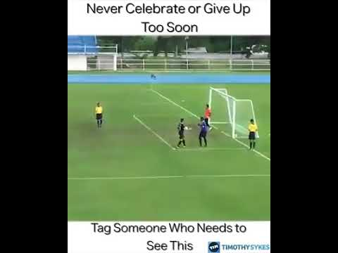 Wow!! Ball turn to fire when keeper try to catch