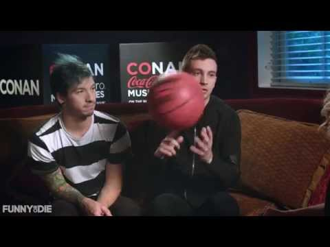 Alana Johnston interviews Twenty One Pilots for Conan Coke Zero