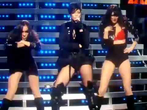 Karaoke Breakin' Dishes - Video with Lyrics - Rihanna