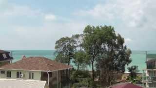 Лоо. Вид на море с балкона гостевого дома Райский уголок