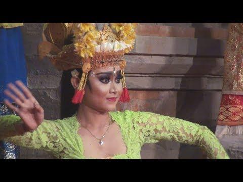 Wow! Cantiknya Penari Joged Bumbung Dari Banjar Pondok, Duta Kota Denpasar - PKB 2017