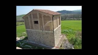 Rustico in Vendita a Lajatico Pisa, casale nuovo in vendita in Toscana