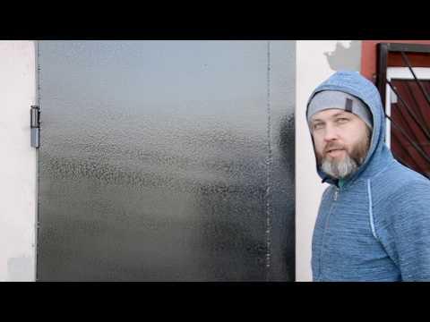 Как покрасить входную дверь своими руками