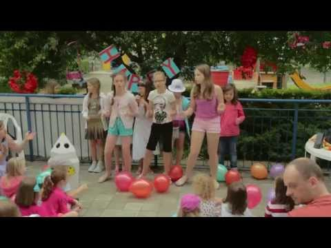 Summer Show 2015: HAPPY sang by Monica's Kids V group