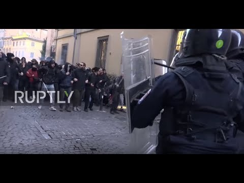 Italy: Violent clashes erupt in Piacenza during protest over migrant shooting