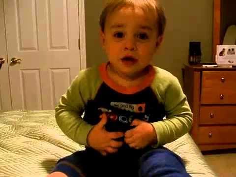 Baby speaking in esperanto (with english subtitles)