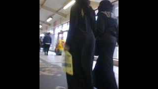 """Download Video """" العبايات """" الضيقه علي جسم البنات والسيدات في مصر MP3 3GP MP4"""