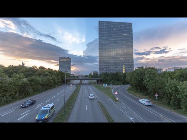 Sonnenuntergang über den Highlight-Towers
