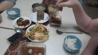 (집밥먹방)도토리묵,배추겉절이,김,오이소박이,파김치,도…