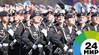 Боевая мощь на Дворцовой: военный парад в Санкт-Петербурге - МИР 24