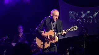 Pete Townshend (the Who) surprise performance for Rockers on Broadway benefit