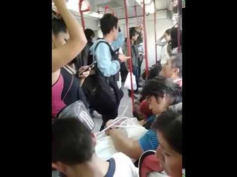 Enorme ERECCION y ARRIMON en el tren (Increible) thumbnail