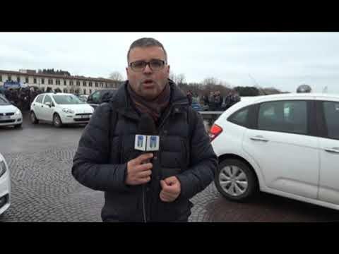 Firenze - Spari sul Ponte Vespucci. Muore un senegalese.