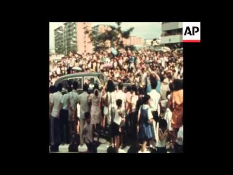 SYND 19-2-72 THE QUEEN VISITS SINGAPORE