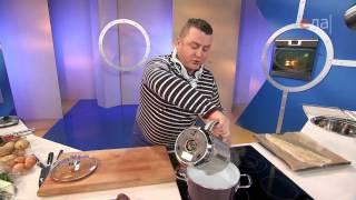 Теплый салат из трески с картофелем
