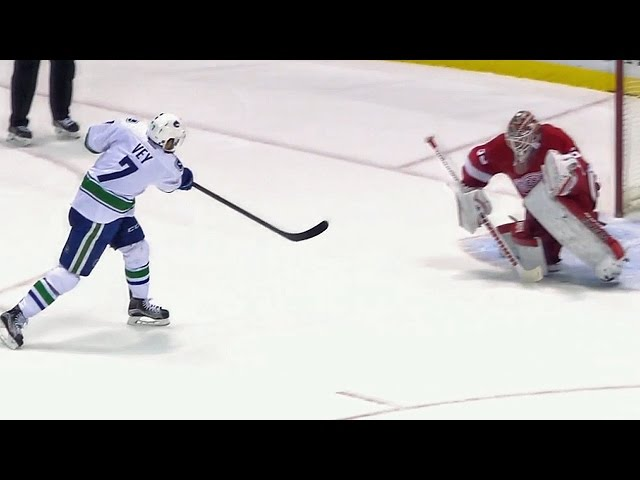 Shootout: Canucks vs Red Wings