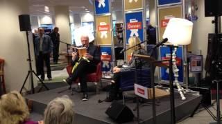 Adriaan van Dis in Boekhandel Donner in Rotterdam (3)