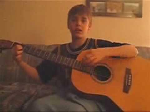 Justin Bieber singing to Jesus