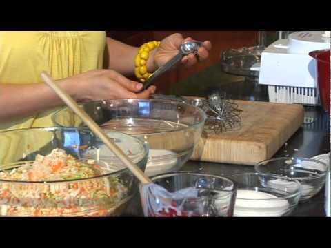 Cooking Express - Banh Mi Sausage Goi Bap Cai Beo (Vietnamese)