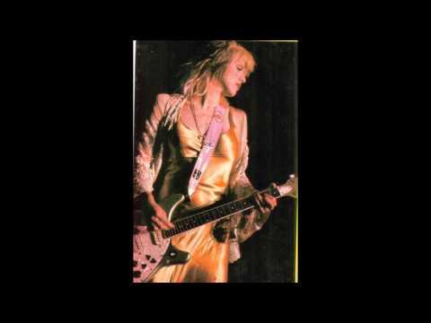 HOLE - concierto en la sala aqualung  - madrid  - 7 abril 1995