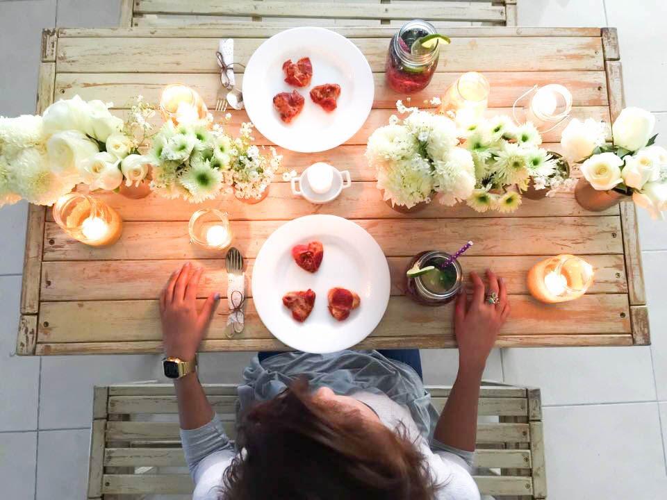 C mo armar una cena de amor yuya youtube - Como decorar una ensaladilla rusa ...