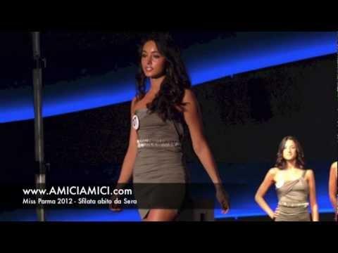 Abiti Da Sera Parma.Miss Parma 2012 Sfilata In Abito Da Sera Youtube